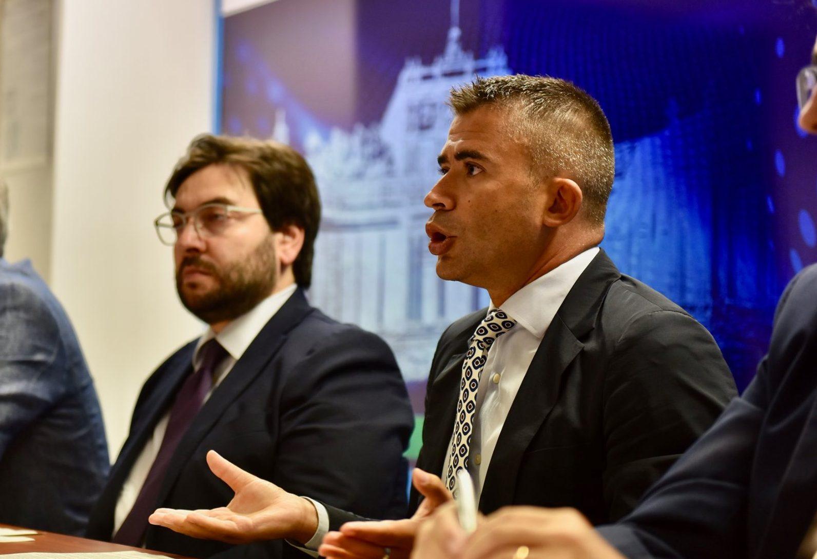 """Fina e Paolucci: """"Centrodestra inadeguato, regolamento dei conti elettorali al posto di occuparsi dell'Abruzzo e delle emergenze"""""""