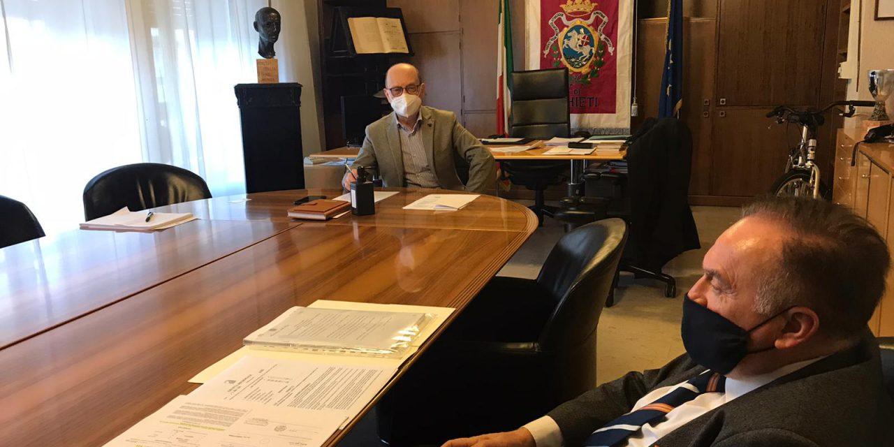 """Chieti, Incontro sindaco con direttore Ciapi: """"Vicini ai dipendenti. Faremo un ordine del giorno in Consiglio sulla situazione"""""""