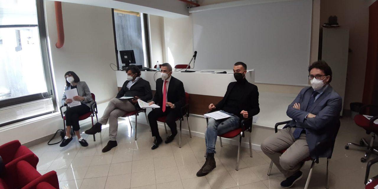 """Centrosinistra su Cura Abruzzo 1 e 2 e Fondi Europei: """"Alle imprese abruzzesi erogati solo 25 milioni sui 96 promessi, mentre 549 milioni di fondi europei attendono di essere utilizzati"""""""